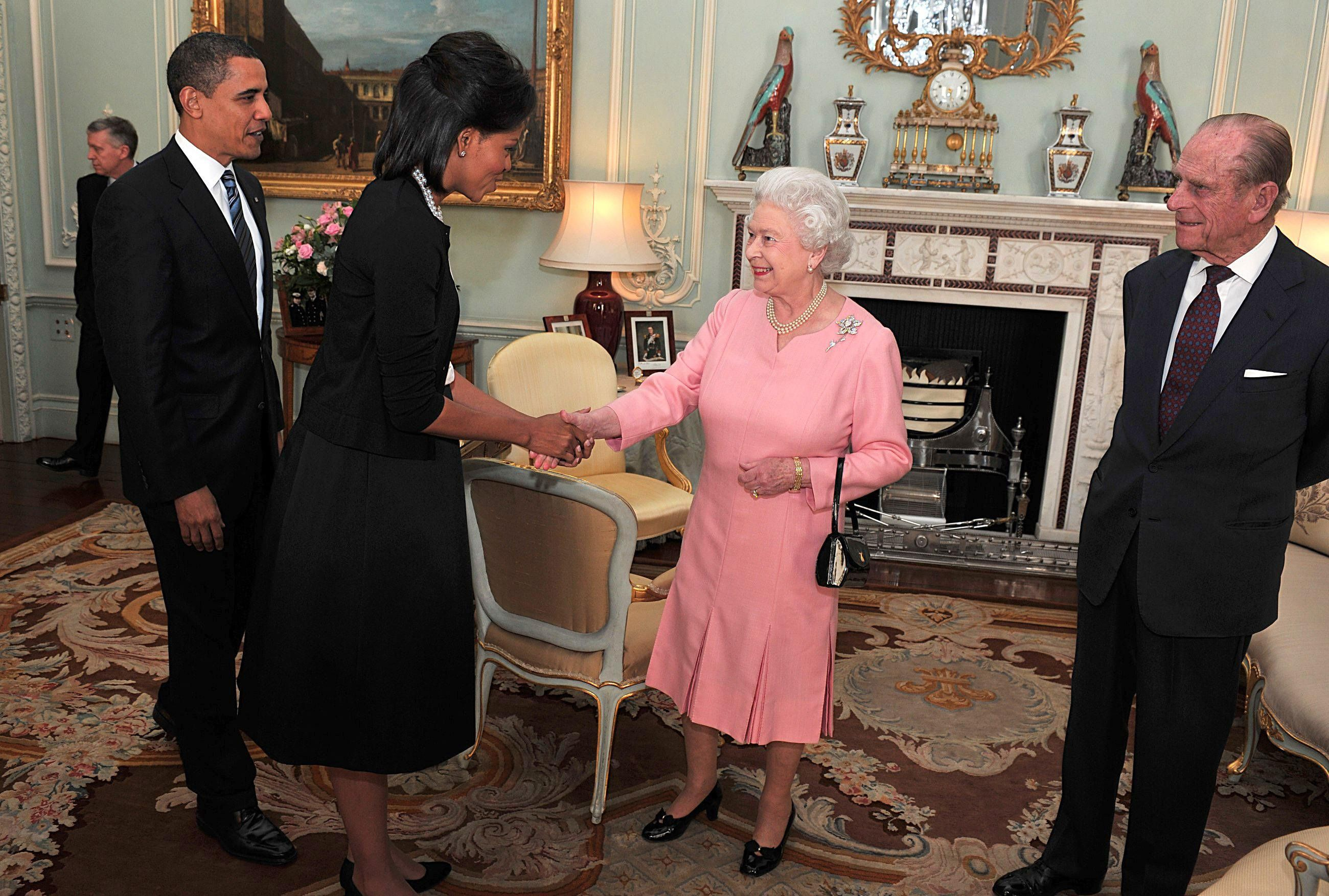 Barack Obama and Michelle Obama meet with Queen Elizabeth II and Prince Philip, Duke of Edinburgh at Buckingham Palace on April 1, 2009 in London, England. | Photo: Getty Images.