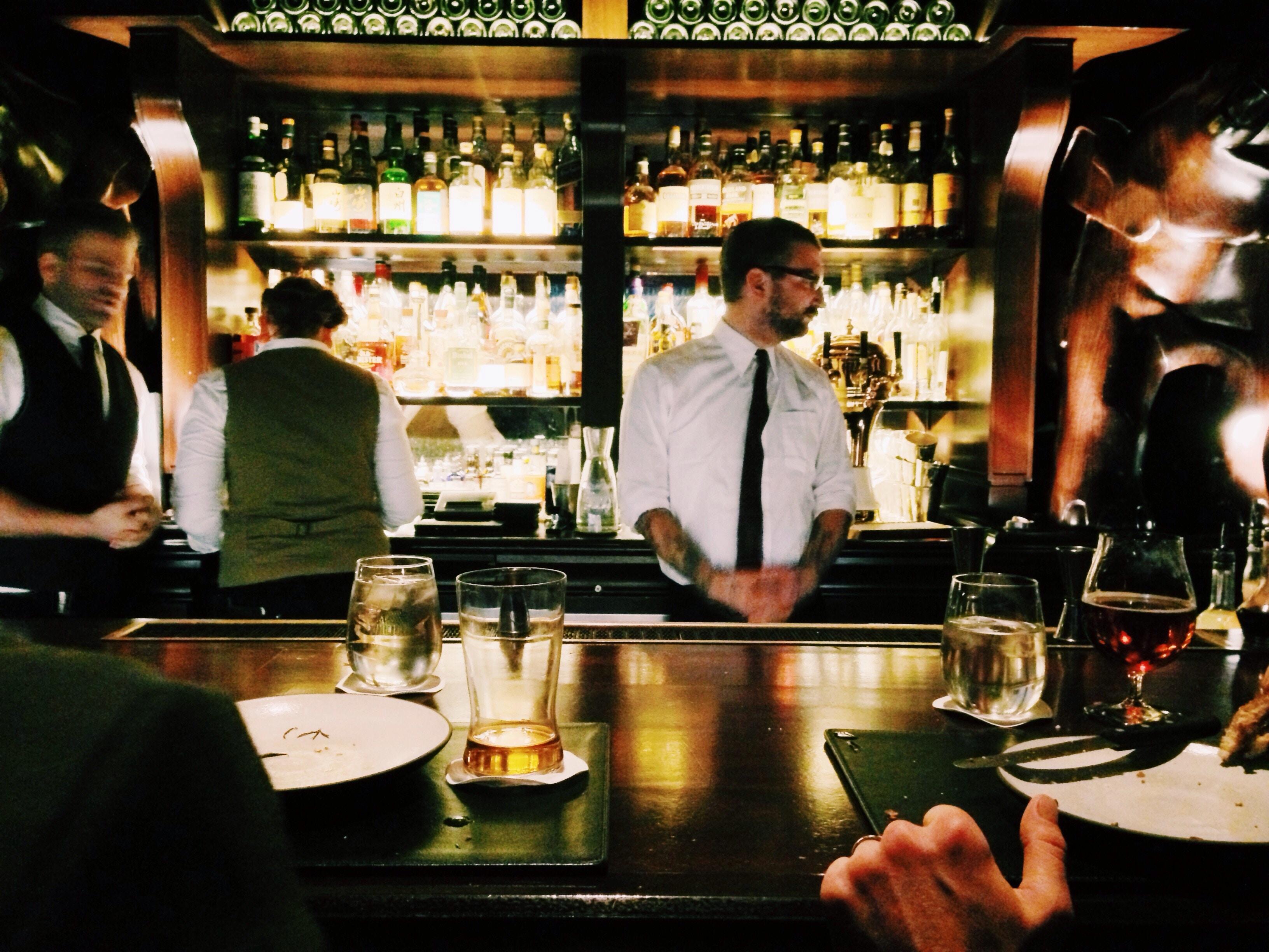 Bar | Photo: Unsplash/Taylor Davidson