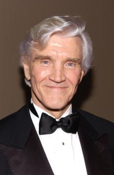 """David Canary arrives at an """"All My Children"""" cabaret performance to benefit the Robin Hood Fund January 29, 2002 in New York City 