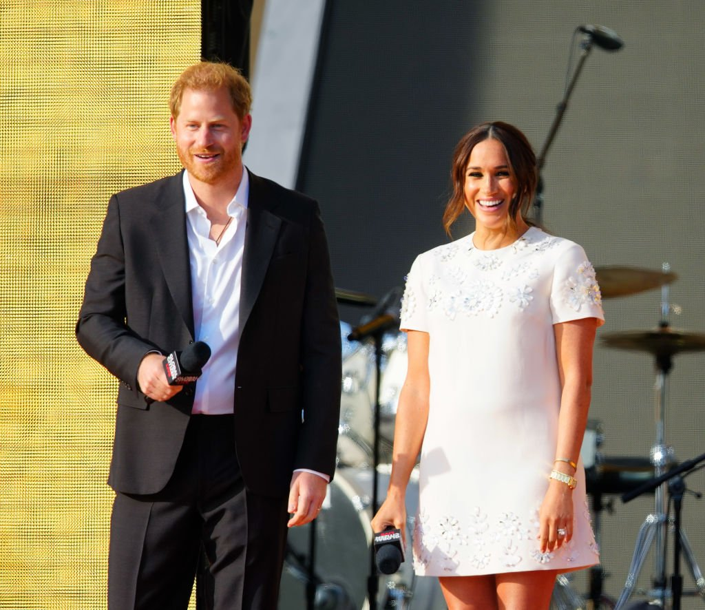 Prince Harry and Meghan Markle speak on stage at Global Citizen Live: New York on September 25, 2021 in New York City   Photo: Getty Images