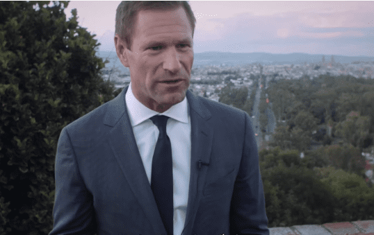 Aaron Eckhart at the Morelia International Film Festival in late-2016 | Photo: YouTube/FICM