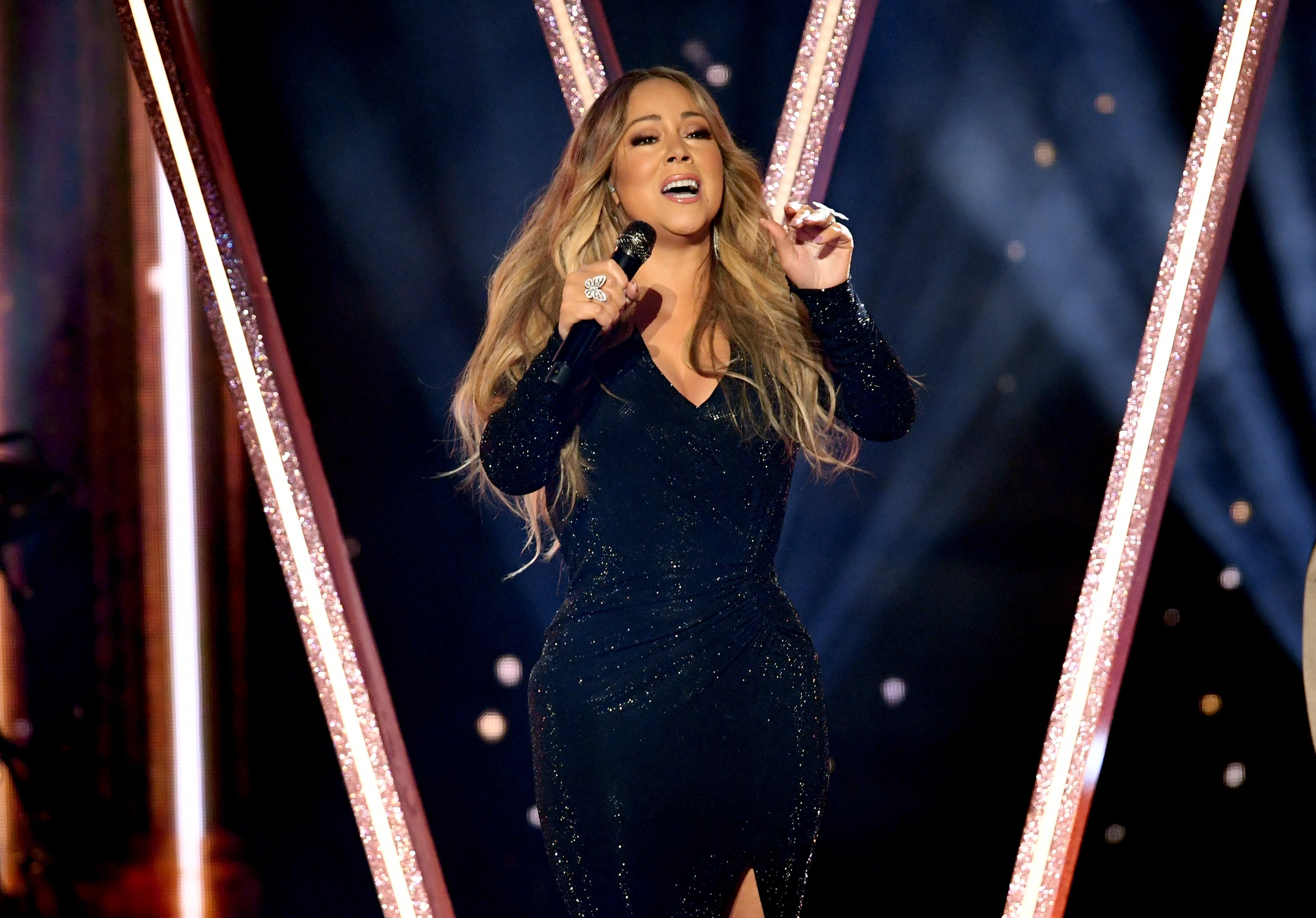 Mariah Carey performs onstage during the 2019 Billboard Music Awards at MGM Grand Garden Arena on May 01, 2019, in Las Vegas, Nevada. | Source: Getty Images.