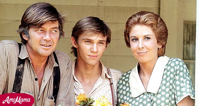 """Picture of Ralph Waite with other cast members on """"The Waltons"""" 