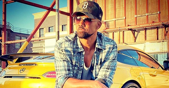 Check Out Shemar Moore Posing with His Lavish Yellow Mercedes While Enjoying the Sunset