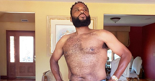 'Black-Ish' Star Anthony Anderson Shows His Fitness Progress While Posing Shirtless In a New Photo