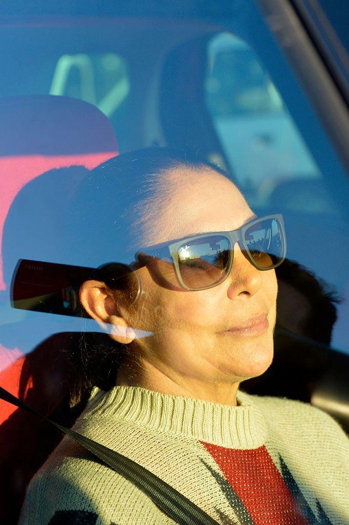 Isabel Pantoja fotografiada mientras se trasladaba en un vehículo.   Foto: Getty Images