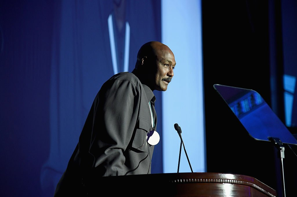 Former NBA player Karl Malone speaks onstage during the 30th Annual Great Sports Legends Dinner at The Waldorf Astoria on October 6, 2015   Photo: Getty Images