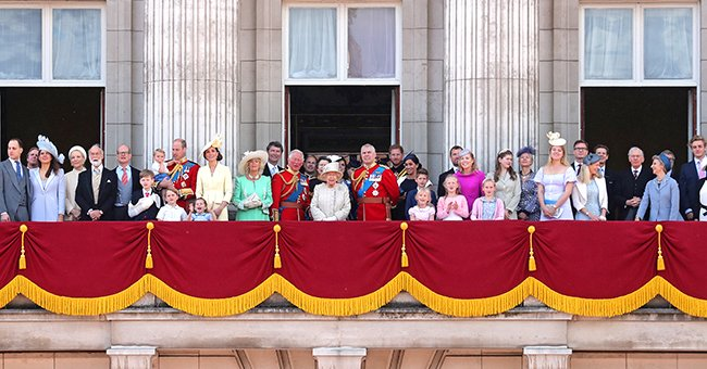 Here Are the Rules and Regulations for Staying on the Balcony of Buckingham Palace with the Queen