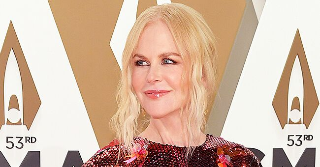 Nicole Kidman Dazzles at the 2019 CMA Awards Wearing a Red Sequined Dress