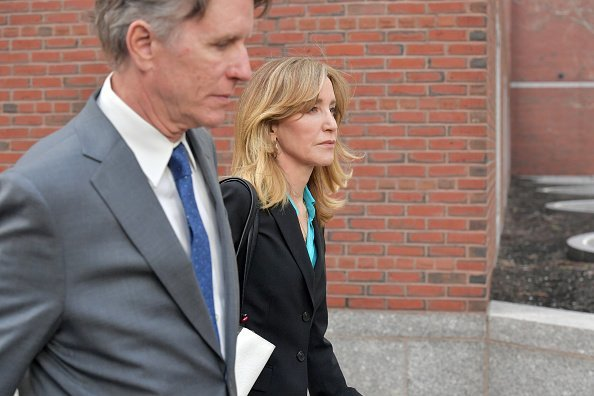 Felicity Huffman exits the John Joseph Moakley U.S. Courthouse on April 3, 2019, in Boston, Massachusetts. | Source: Getty Images.