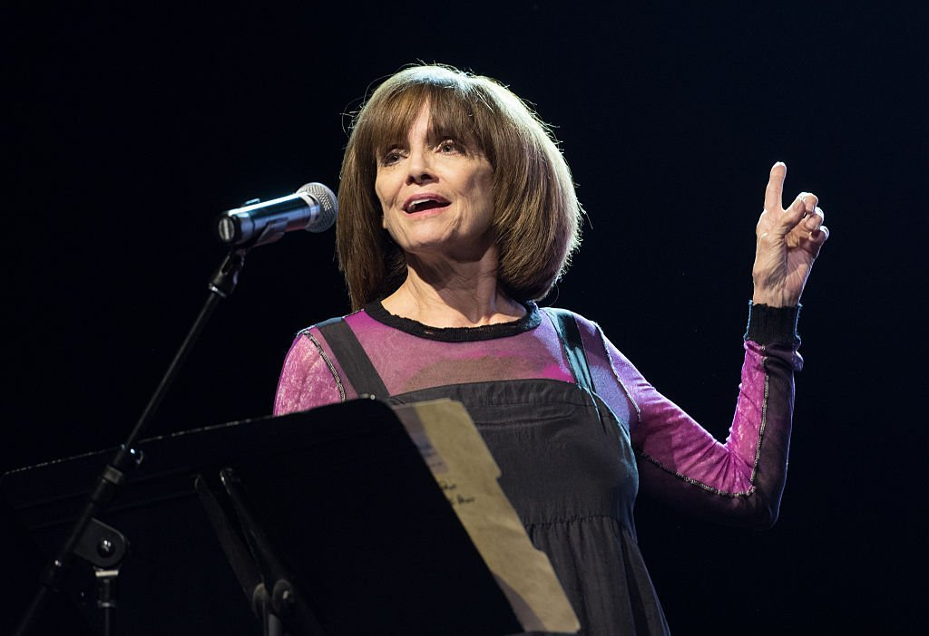 Actress Valerie Harper speaks onstage during The Survivor Mitzvah Project: A benefit for Holocaust survivors at Webster Hall | Photo: Getty Images