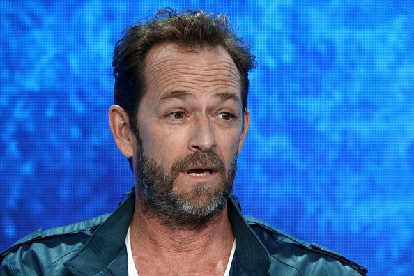 Luke Perry from 'Riverdale' speaks onstage | Photo: Getty Images