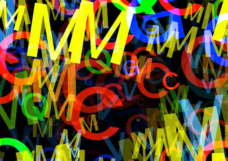 Letras fluorescentes. | Imagen: Pixabay