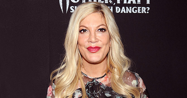 Tori Spelling Takes a Birthday Pic with 'Beverly Hills, 90210' Co-Stars