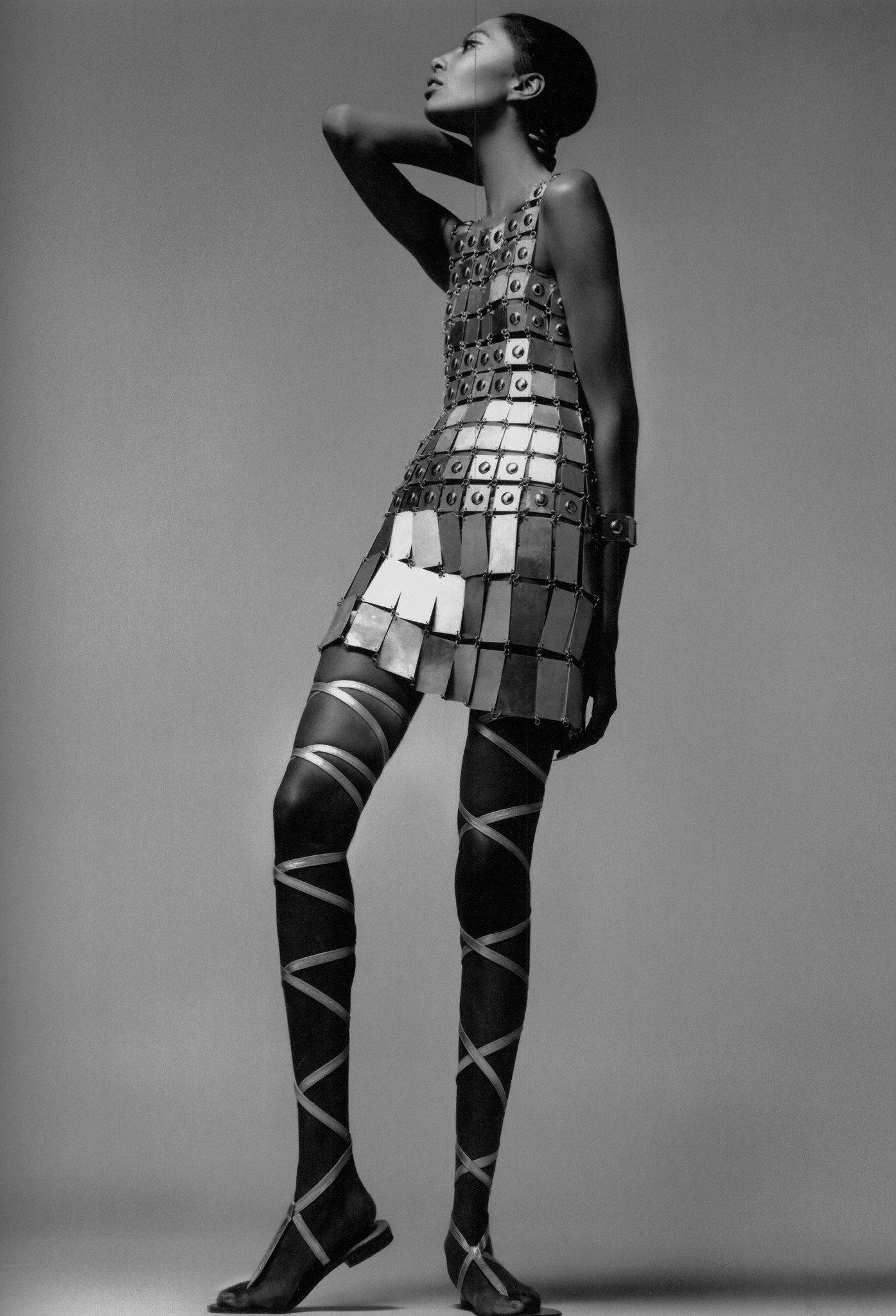 Donyale Luna, modelo estadounidense, vistiendo un traje de Paco Rabanne en 1966. | Imagen: Flickr