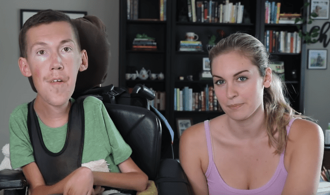YouTubers Shane Burcaw and Hannah Aylward speaking on their Youtube channel. | Photo: YouTube/ Squirmy and Grubs