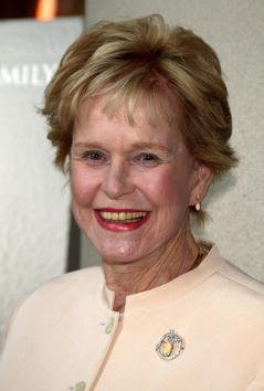Diana Douglas at the Loews Lincoln Square Theaters April 13, 2003 in New York City | Photo: Getty Images