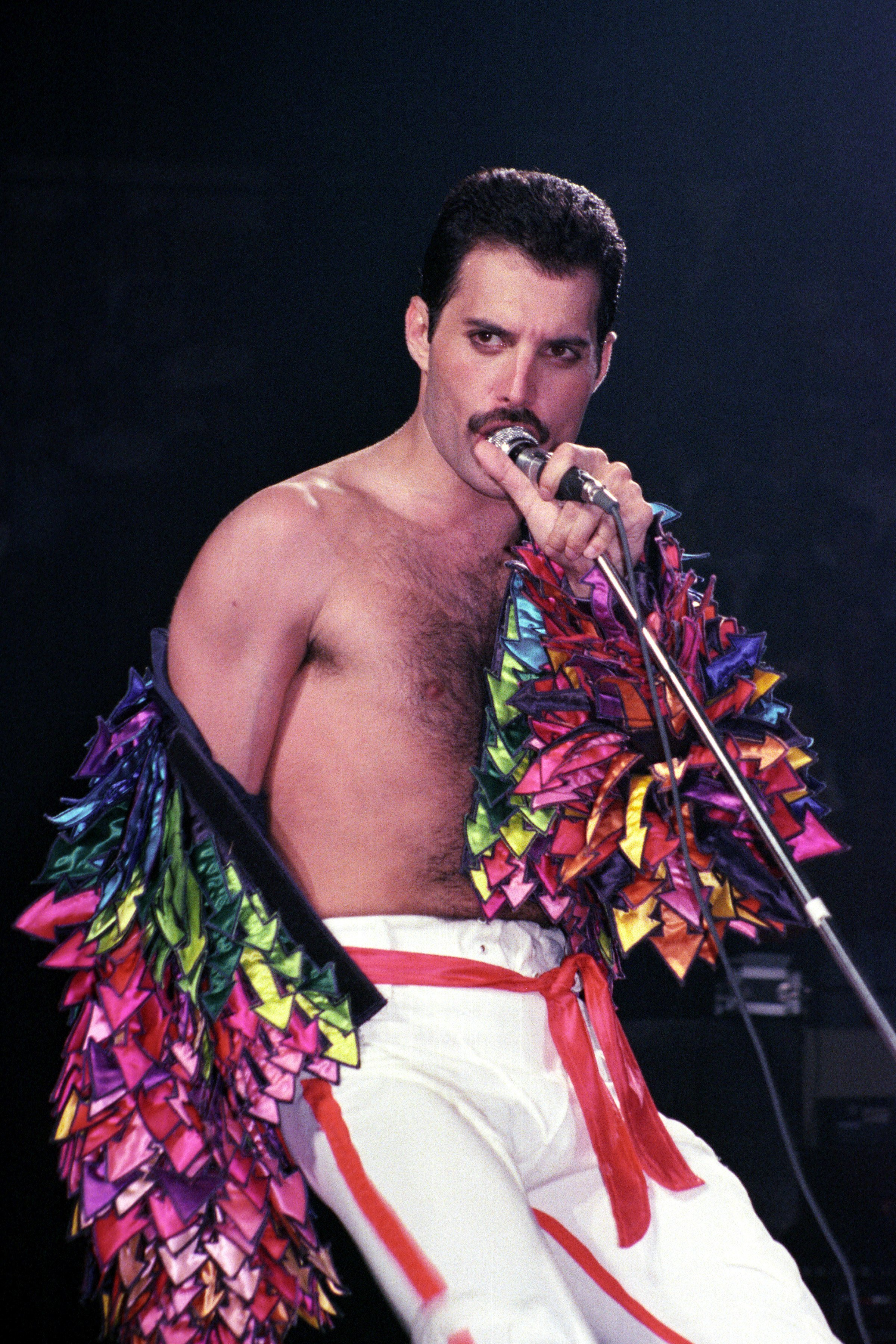 Freddie Mercury of Queen performs at Madison Square Garden on July 27, 1983 in New York City. | Photo: GettyImages