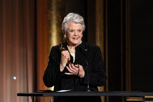 Honoree Angela Lansbury accepts honorary award onstage during the Academy of Motion Picture Arts and Sciences' Governors Awards at The Ray Dolby Ballroom at Hollywood & Highland Center on November 16, 2013 in Hollywood, California. | Photo: Getty Images