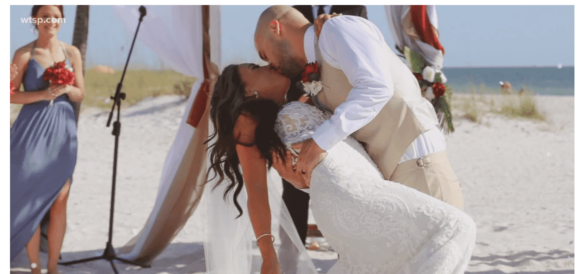 The couple shared their first kiss on the beach before the trouble started | Screenshot: wtsp.com