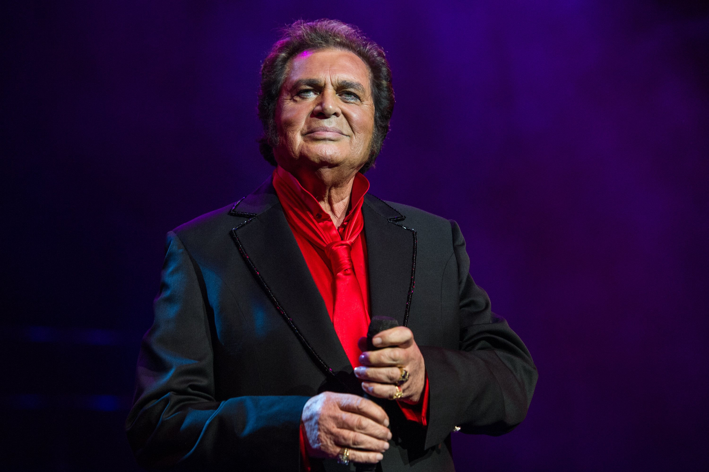 Engelbert Humperdinck pictured onstage performing at Royal Albert Hall, 2015, London, England. | Photo: Getty Images