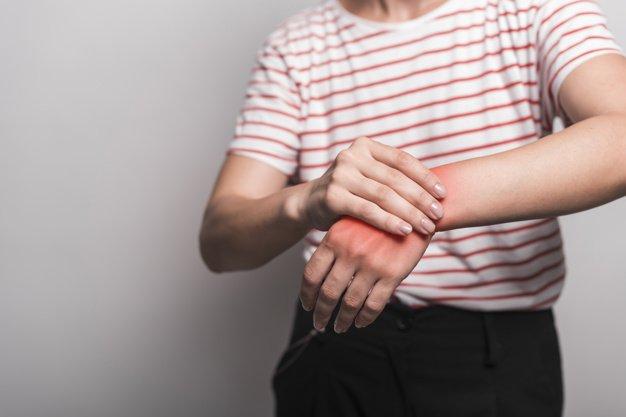 Persona con dolor | Imagen tomada de: Freepik