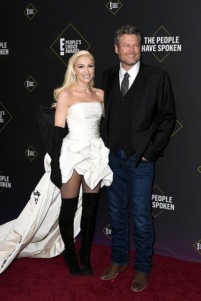 Gwen Stefani and Blake Shelton attend the 2019 E! People's Choice Awards at Barker Hangar in Santa Monica, California | Photo: Getty Images