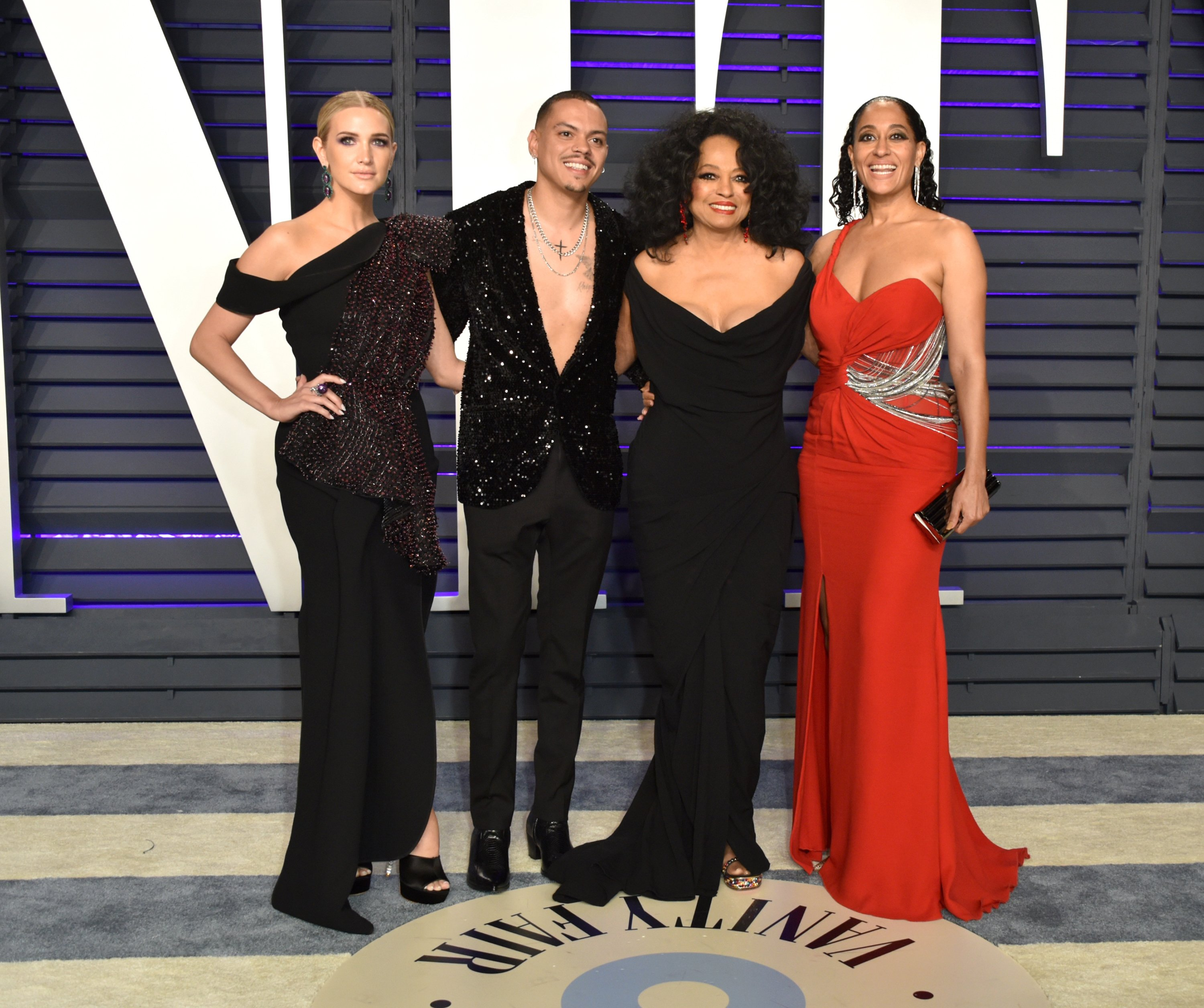 Ashlee Simpson, Evan Ross, Diana Ross, and Tracee Ellis Ross at  the 2019 Vanity Fair Oscar Party | Photo: Getty Images