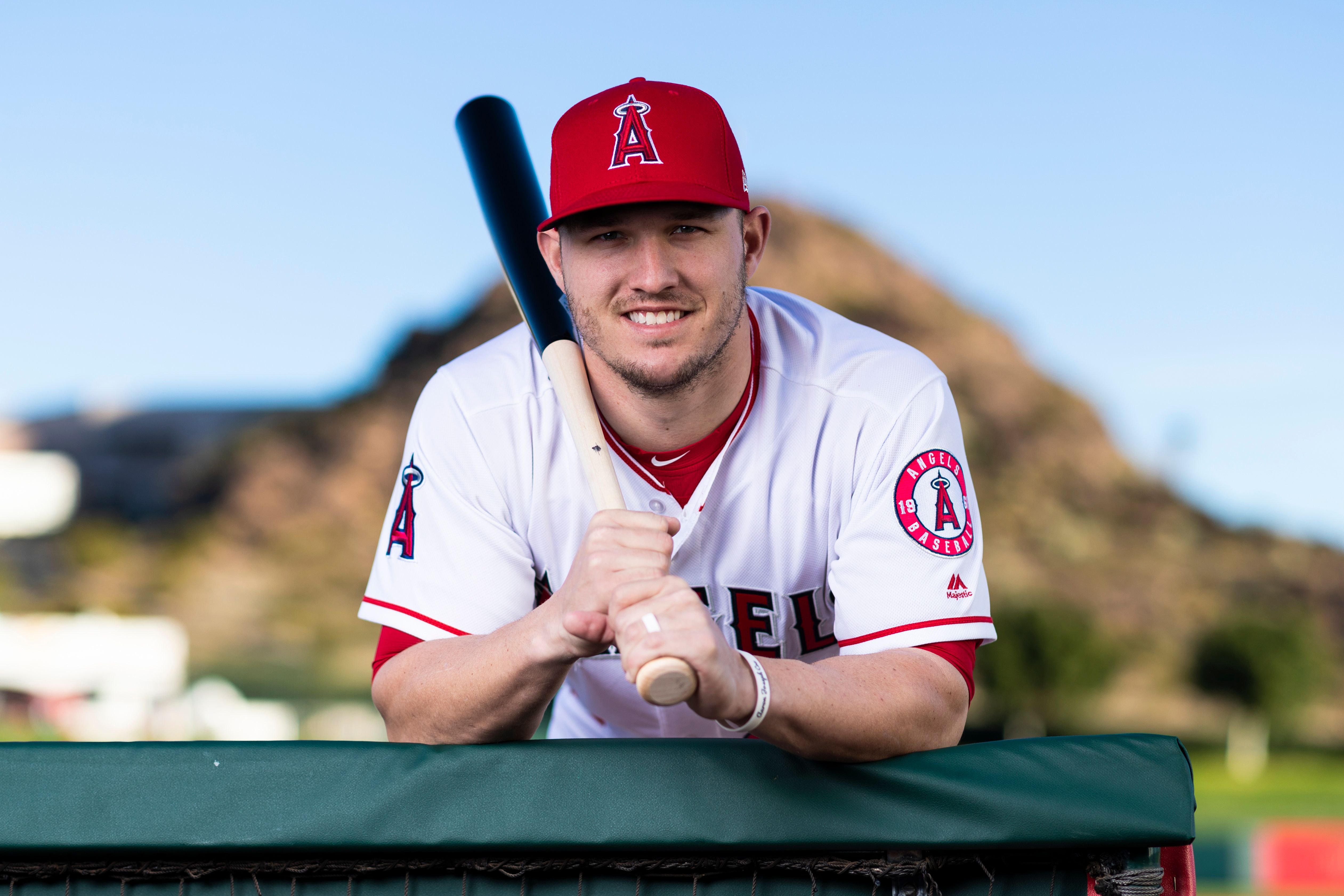 Los Angeles Angels outfielder Mike Trout (27) poses for a portrait on Tuesday, Feb. 19, 2019 | Photo: Getty Images