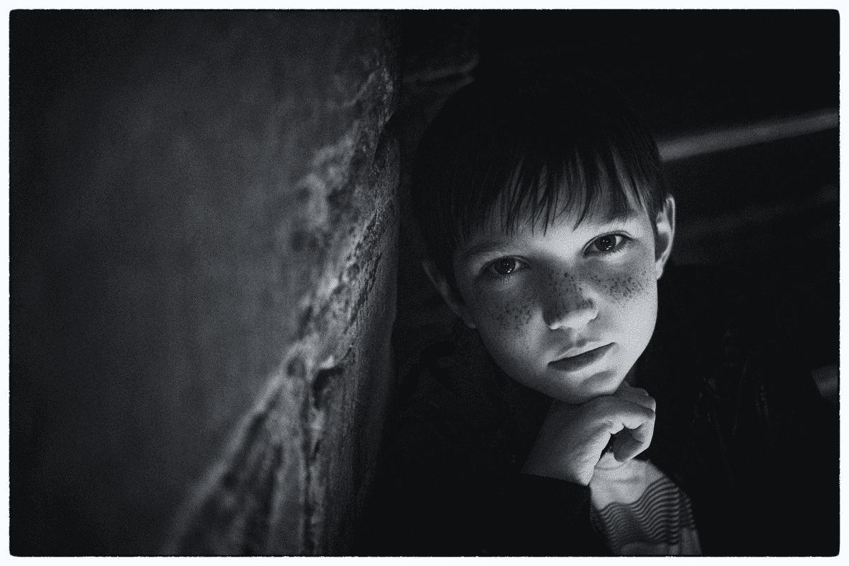 Junge in Schwarz/Weiß | Quelle: PxHere