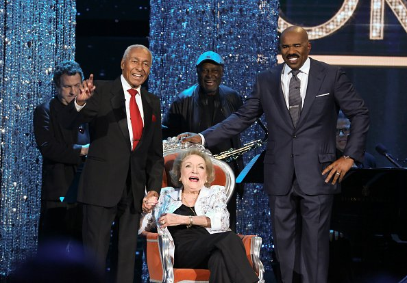 """Arthur Duncan, Betty White, and Steve Harve on """"Little Big Shots: Forever Young"""" season 1 in 2017. 