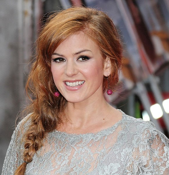 "Isla Fisher attends the World Film Premiere of ""The Dictator."" 
