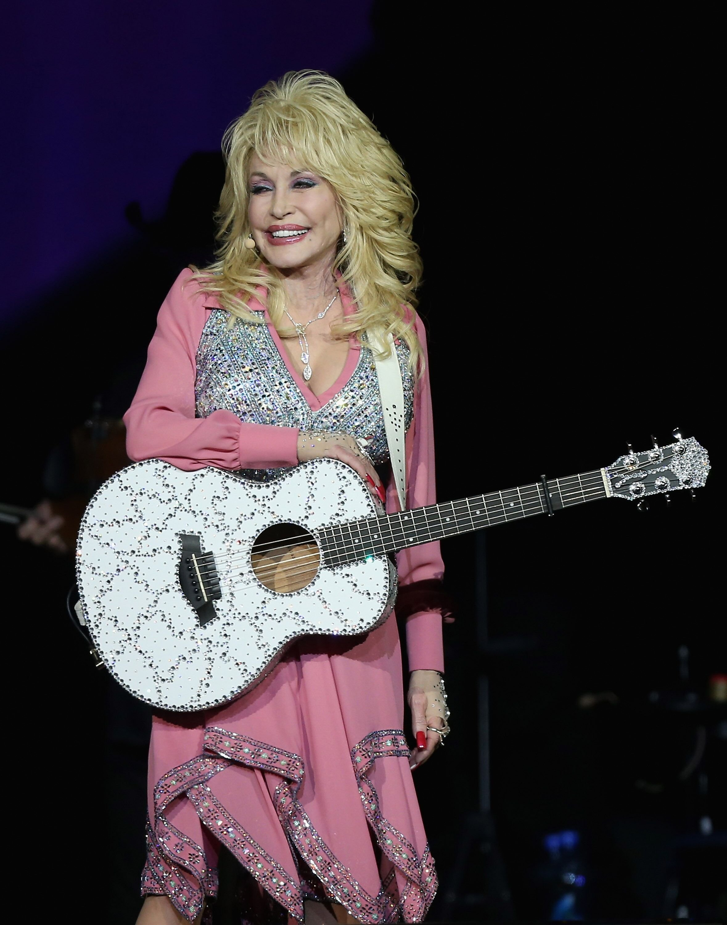 Dolly Parton performs live for fans at Vector Arena on February 7, 2014. | Source: Getty Images