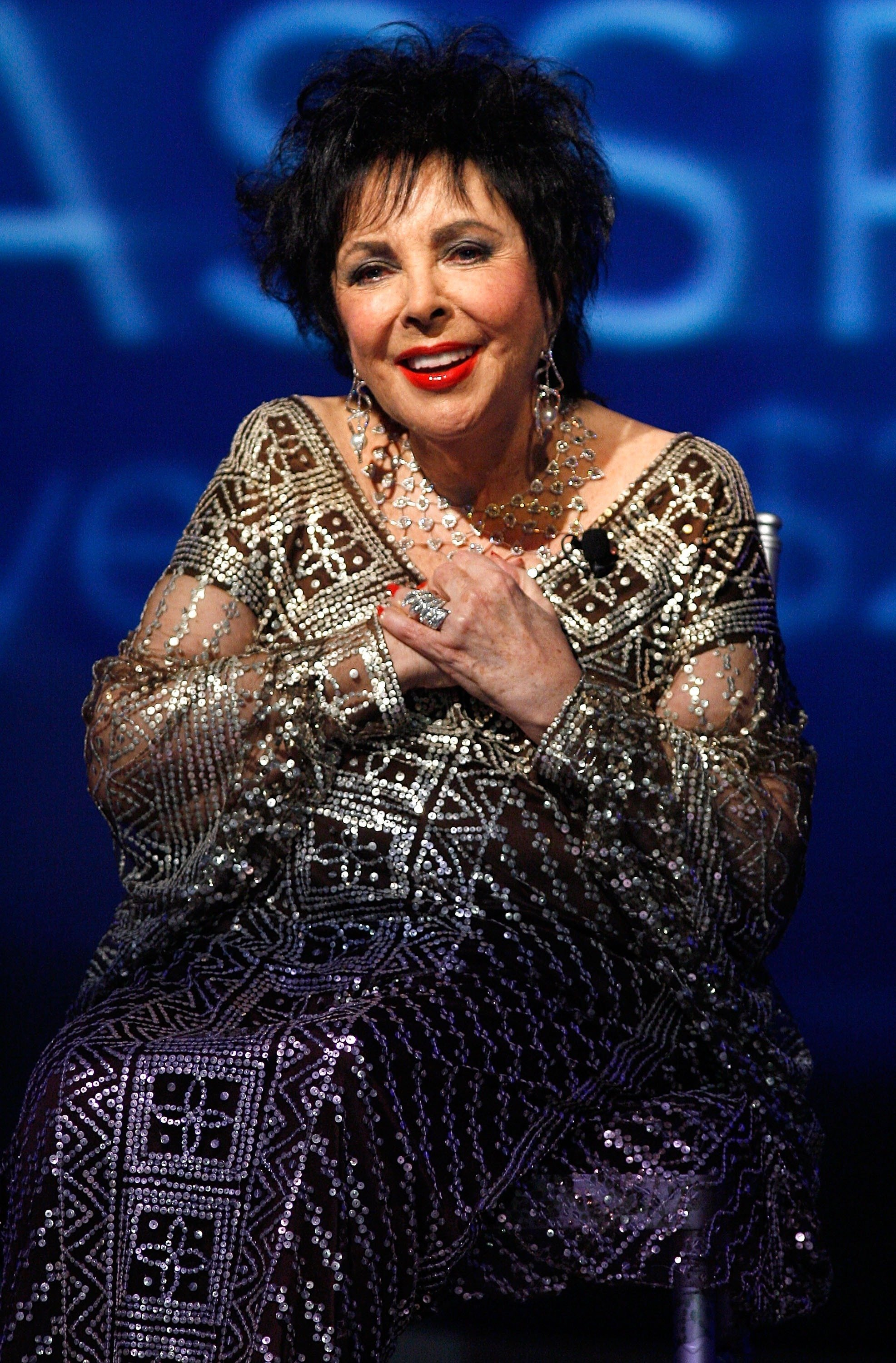 Elizabeth Taylor speaks onstage during the 25th Anniversary celebration gala for Macy's Passport on September 27, 2007, in Los Angeles, California. | Source: Getty Images.