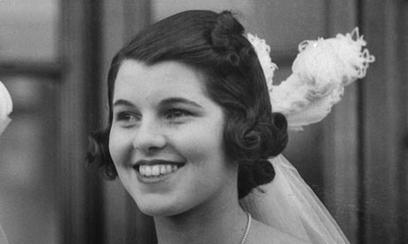 Rosemary Kennedy in 1938, three years before her lobotomy, ready to be presented at Court. Image credit: Wikimedia Commons