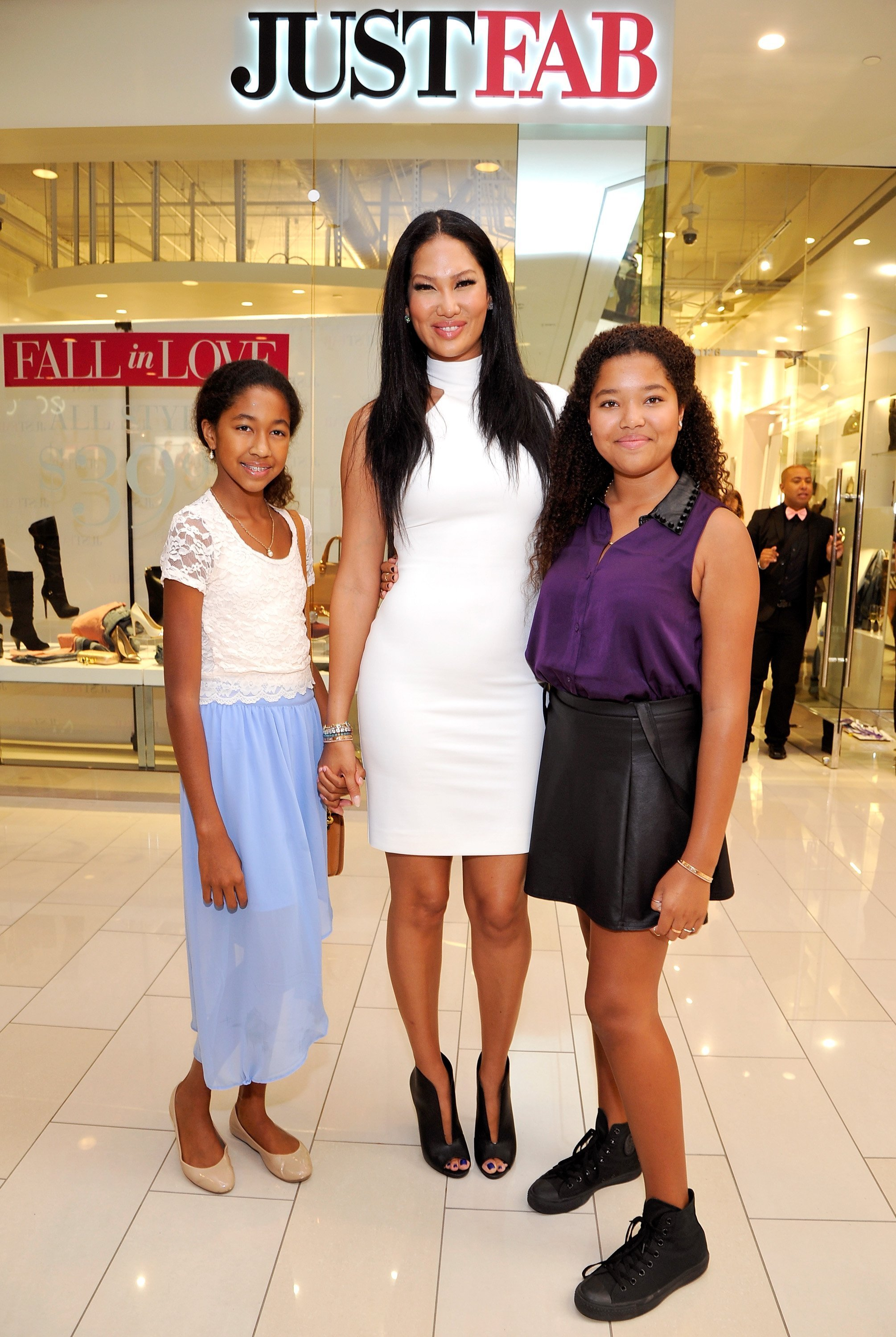 Aoki Lee Simmons, Kimora Lee Simmons and Ming Lee Simmons at JustFab.com Los Angeles flagship store debut on Sept. 14, 2013 | Photo: Getty images