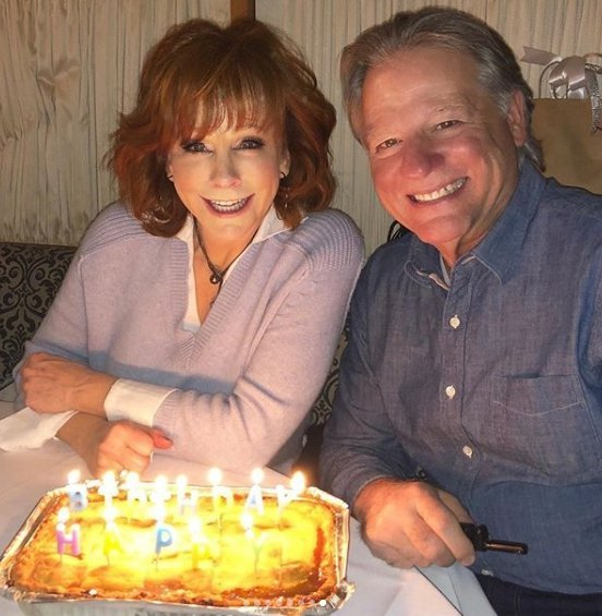 """Reba McEntire and """"Skeeter"""" with the musical banana pudding. 