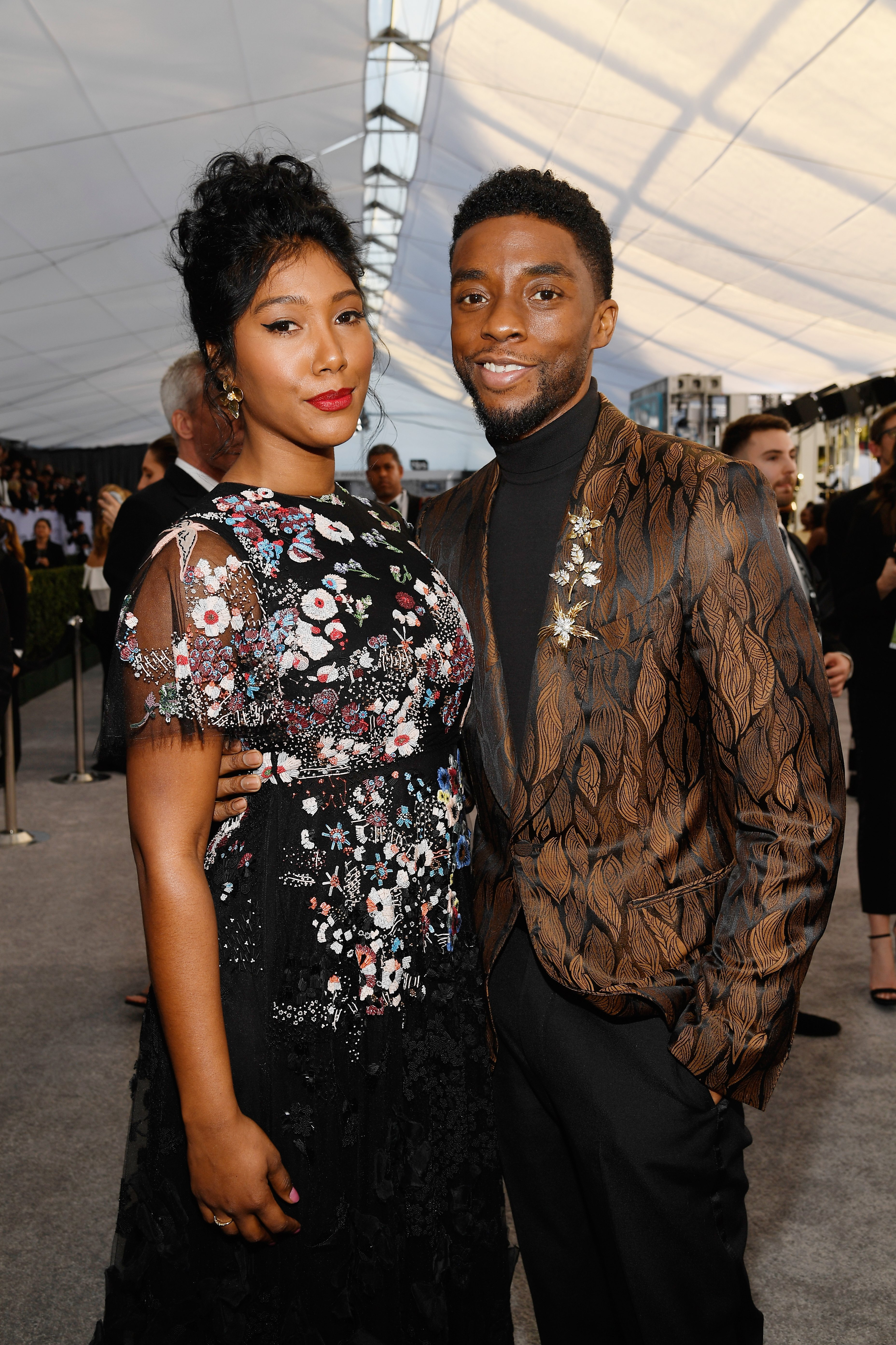 Chadwick Boseman and Simone Ledward at the 25th Annual Screen ActorsGuild Awards at The Shrine Auditorium in Los Angeles, California | Photo: Kevork Djansezian/Getty Images
