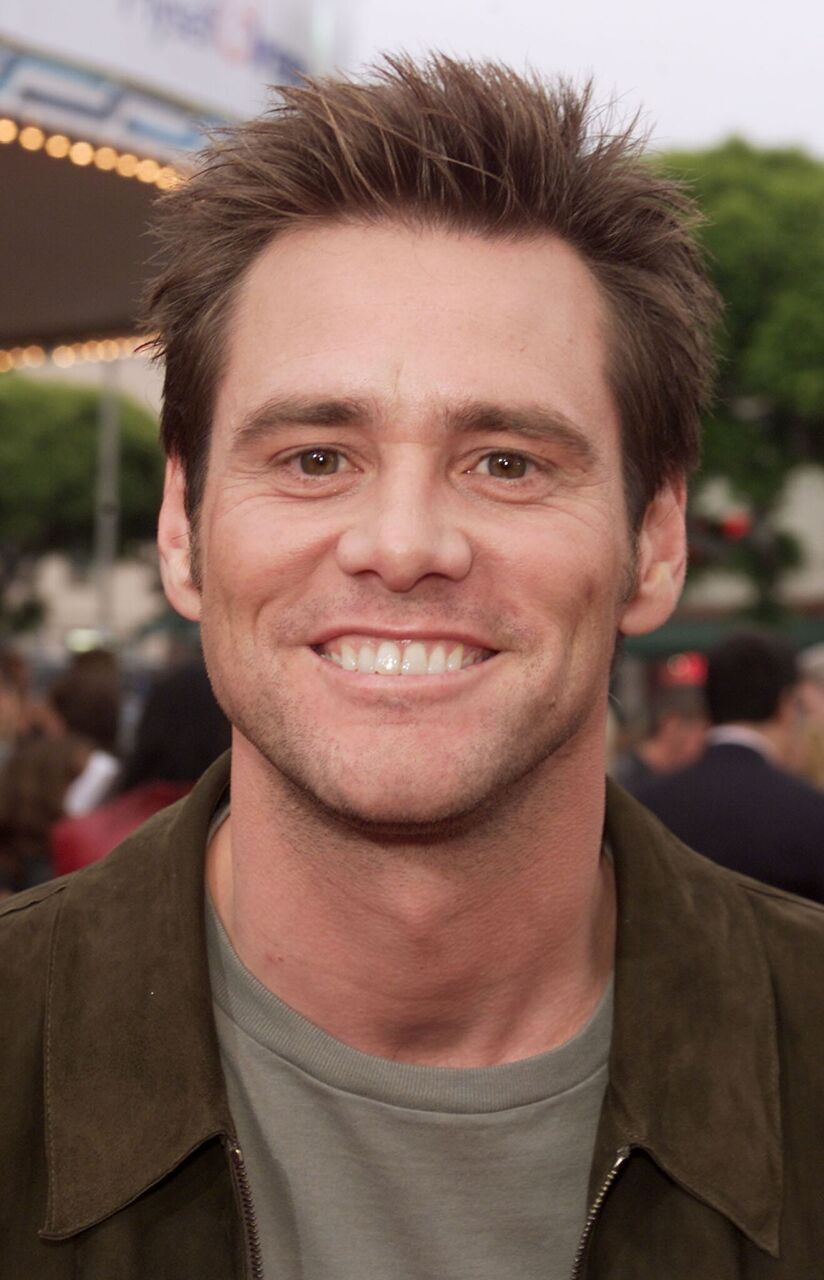"Jim Carrey flashes a smile at the premiere of ""Me, Myself & Irene."" 