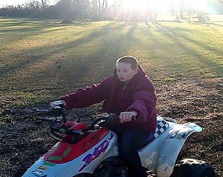 Aaron Fuller, de 13 años, quien se suicidó después de ser intimidado | https://twitter.com/toledonews