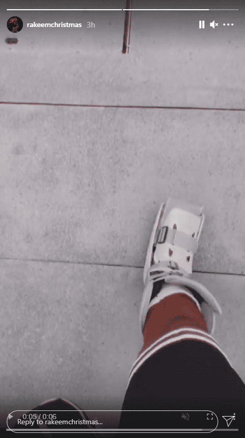 A still from a video clip that captured Michael Jordan's son-in-law, Rakeem Christmas, taking a couple of steps with his brace on | Photo: Instagram/rakeemchristmas