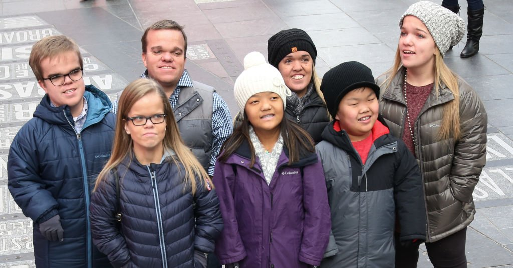 "Johan Johnston, Anna Johnston, Trent Johnston, Emma Johnston, Amber Johnston, Alex Johnston and Elizabeth Johnston from the cast of TLC's ""7 Little Johnstons"" filming a visit to Times Square on January 4, 2019 