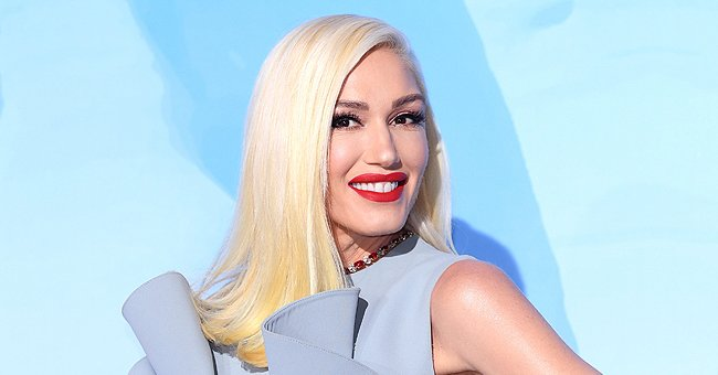 Gwen Stefani Shares Romantic Photo of Her Sitting on Boyfriend Blake Shelton's Lap While on 'The Voice' Set