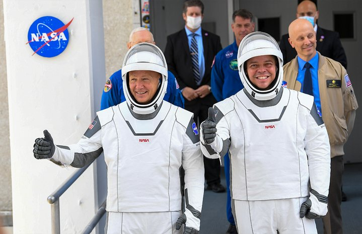 NASA astronauts Doug Hurley and Bob Behnken on their way to the Launch Complex 39A for their flight aboard the SpaceX Falcon 9 rocket in the Crew Dragon spacecraft | Photo: Jonathan Newton/The Washington Post via Getty Images