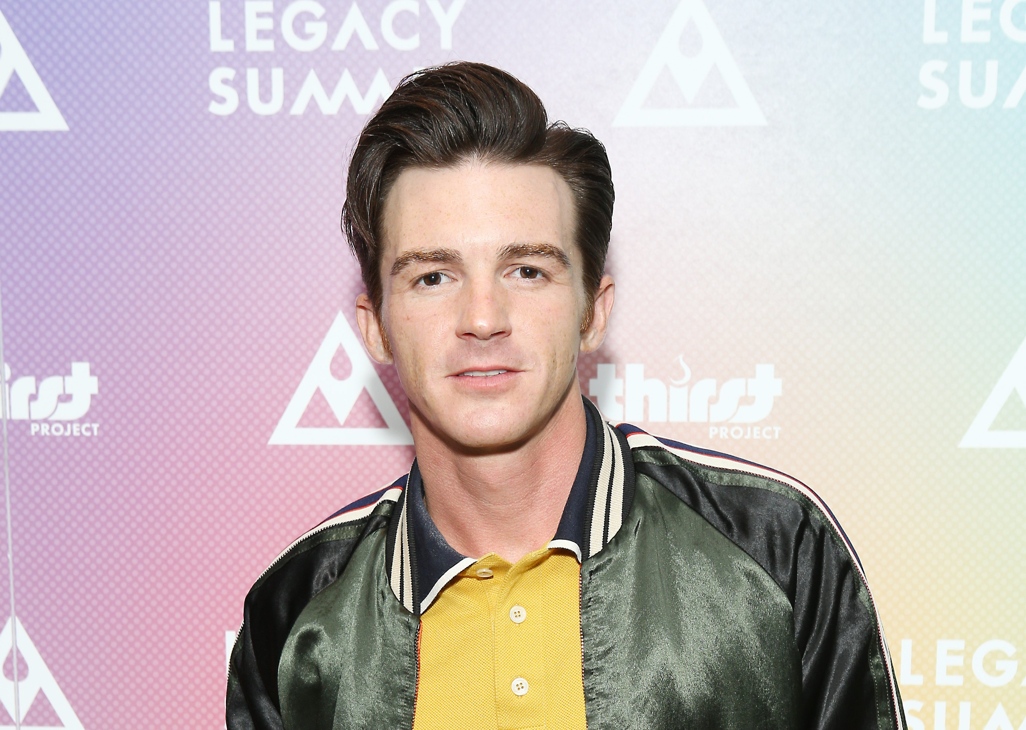 Drake Bell Is 33 And Looks Barely Recognizable Inside The Former Child Star S Life