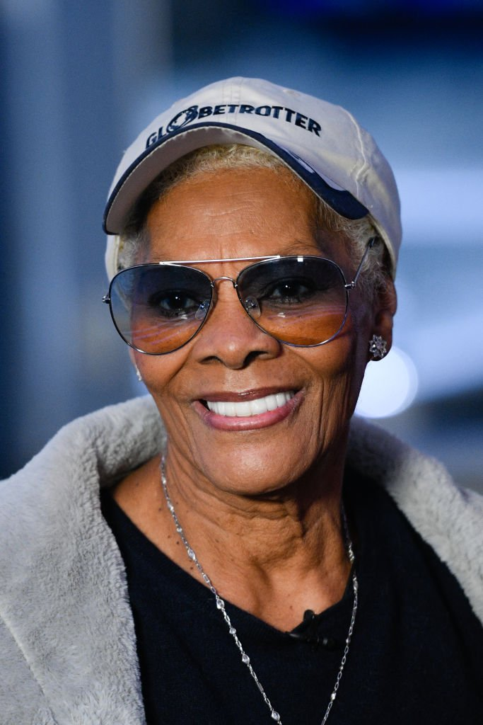 """Dionne Warwick at Burbank Studios visiting """"Extra"""" on December 2, 2019. 