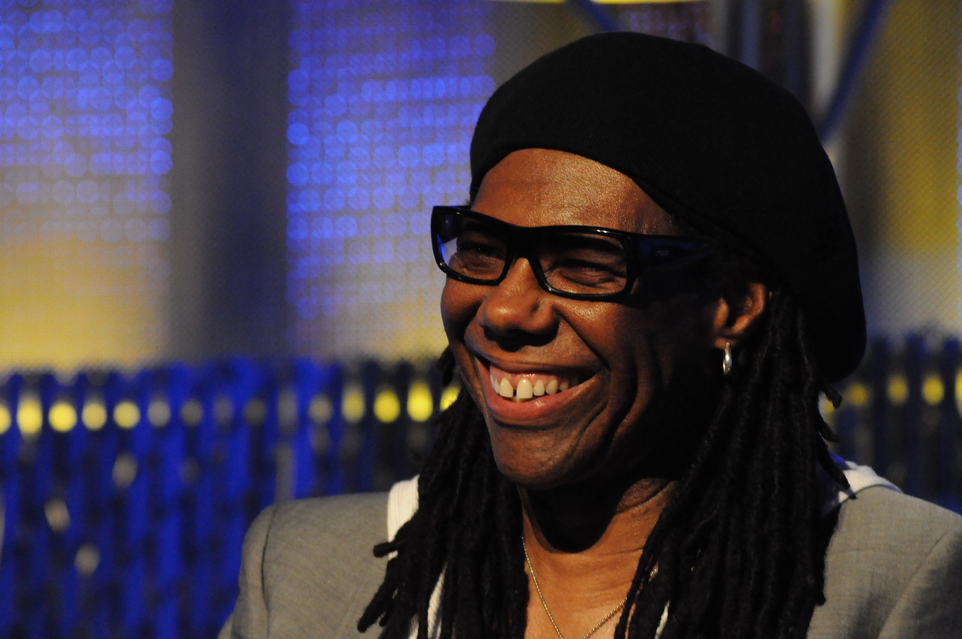 Nile Rodgers on the keynote panel of the 2010 Pop Conference, EMPSFM, Seattle, Washington. | Photo By Joe Mabel, CC BY-SA 3.0, Wikimedia Commons Images