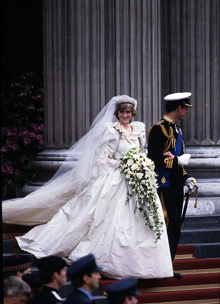 Princess Diana in her wedding dress in 1981 at Westminster Abbey, London, England. | Photo: Getty Images