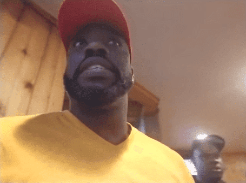 Tommy Sotomayor walking up to the manager to explain the incident at a Hooters restaurant   Source: YouTube/Tommy Sotomayor REBORN!