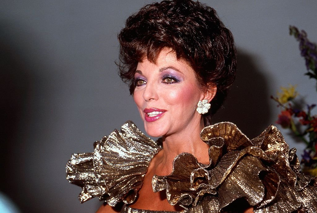 "Joan Collins attends a private showing of ""The Dynasty Collection"" on Sept 19, 1987 in Los Angeles, California 